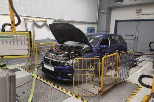 automobile prova motore EMC-BAR