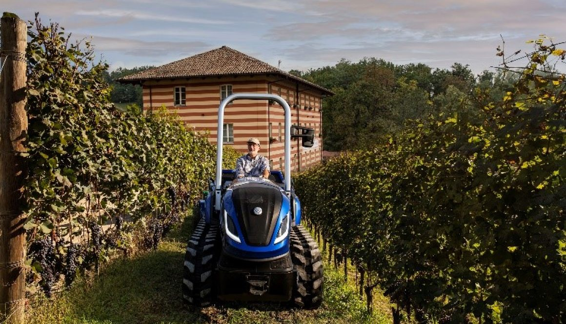 trattore cingolato da vigneto New Holland TK Methane Power